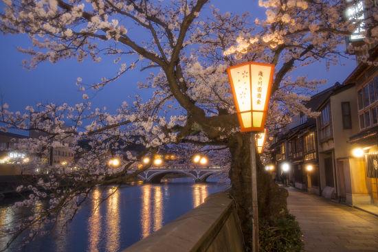Kanazawa Lantern Night Tour